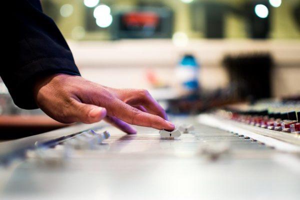 ジャスラック 著作権料 徴収 音楽教室 範囲